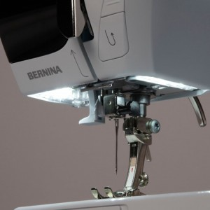 BERNINA 330 LED Licht